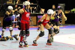 Lykr C&#039;leen gets ready to fight past Atlanta&#039;s Sissy Splaysek
